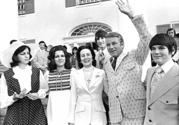 Three-term La. First Lady Elaine Schwartzenburg Edwards dies at ...